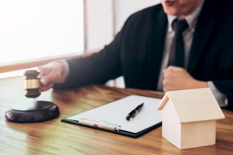 El Tribunal Suprem estableix que és el banc i NO el cliente qui ha de pagar l'impuest de las hipoteques.